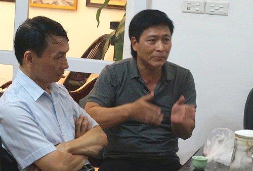Các nghệ sĩ của Hãng Phim truyện Việt Nam gặp gỡ và trao đổi với một số báo chí về tình hình hãng sau gần ba tháng được tổng công ty vận tải thủy Vivaso mua lại vào sáng ngày 16/09. Ảnh: VnExpress