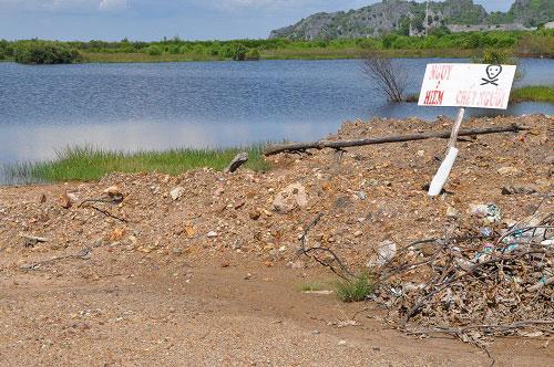 Khu vực dự án trở thành nơi nguy hiểm Ảnh: Giang Sơn