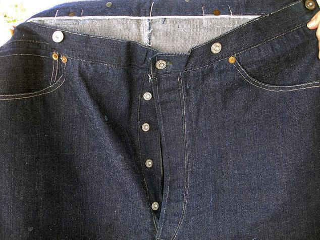Chiếc quần jeans Levis được cho là thuộc về Solomon Warner - Một trong những người đầu tiên khai phá Arizona vào đầu những năm 1800