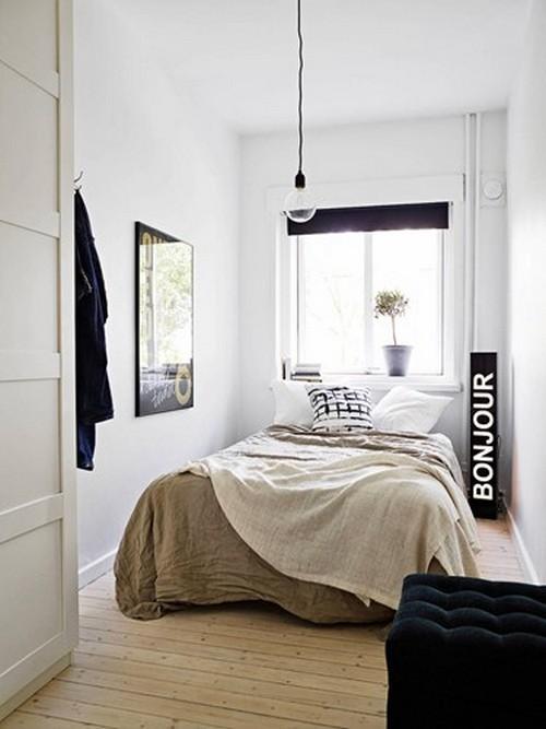 Với những phòng ngủ nhỏ hẹp việc sử dụng các gam màu tường sáng như màu trắng sẽ làm cho căn phòng có cảm giác rộng hơn.