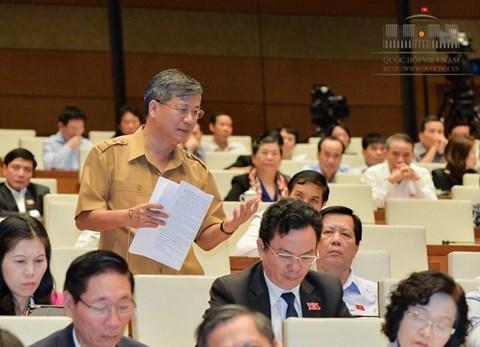 ĐBQH Nguyễn Anh Trí, đoàn ĐBQH Hà Nội, cho ý kiến về Dự án Luật quy hoạch.