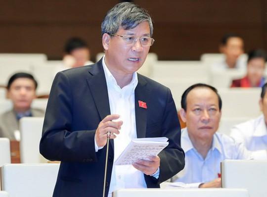 ĐB Nguyễn Anh Trí (Hà Nội) phát biểu tại hội trường QH - Ảnh: Đình Nam