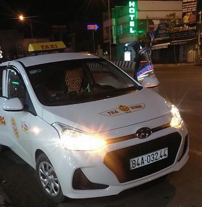 Taxi Trà Vinh không được phép vào sân bay Cần Thơ rước khách. Ảnh: CÔNG VĂN