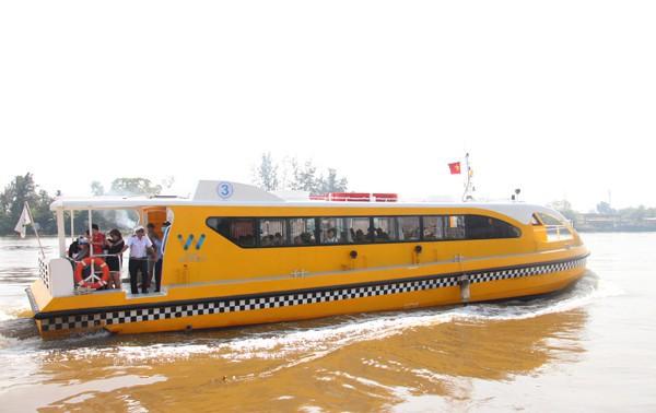 Tàu buýt sông