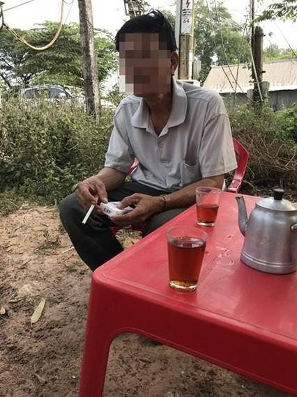 Ông Dương Văn T., một thương lái bò Campuchia lâu năm có tiếng ở địa phương