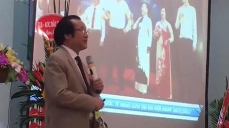Nguyễn Tuấn Giảng trong một cuộc hội thảo giới thiệu mô hình đầu tư tiền ảo AOC tại Bắc Giang.