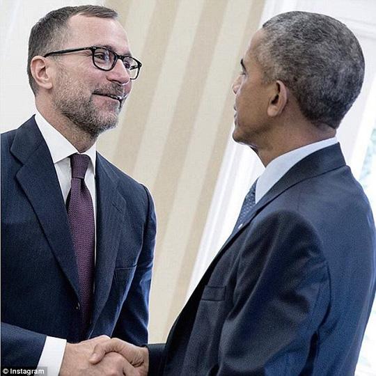 Ông Obama và Đại sứ Tây Ban Nha James Costos. Ảnh: Instagram
