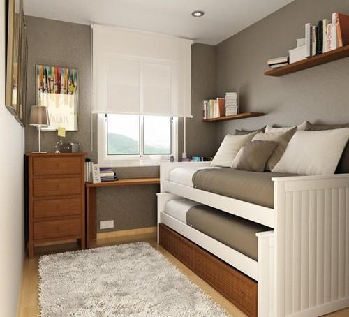 Một cách khác để tiết kiệm không gian cho phòng ngủ nhỏ dành cho hai người là sử dụng giường tầng.