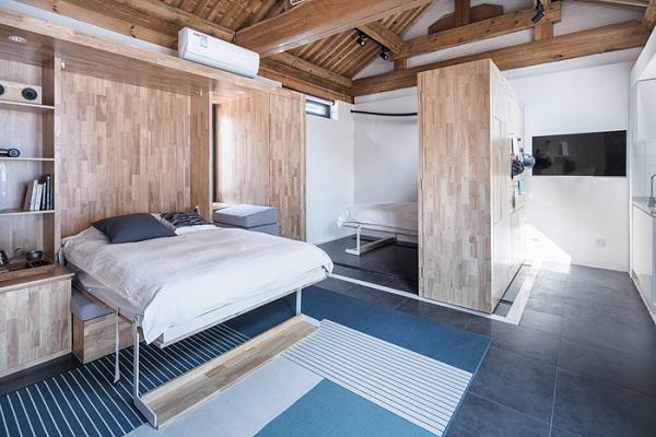 Tuy nhiên khi cần nó có thể dễ dàng biến hóa ngay thành một phòng ngủ rộng rãi và tiện nghi.