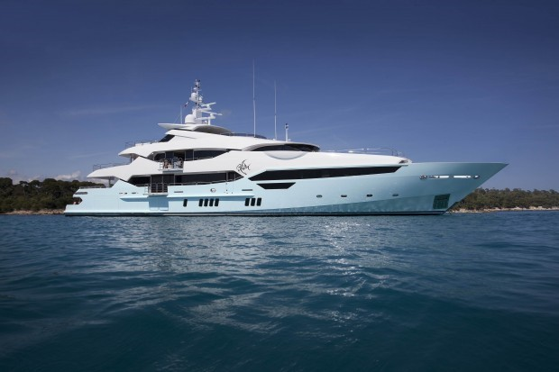Ngoài ra, tỷ phú 62 tuổi không chỉ sở hữu du thuyền mà còn sở hữu một công ty đóng du thuyền riêng cho mình. Ảnh: Success Stories.