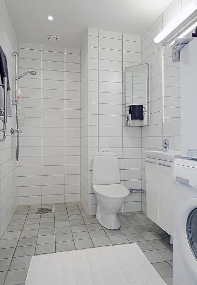 Không gian nơi đây dù nhỏ nhưng được bố trí hợp lý từ màu sắc đến cách lựa chọn, sắp xếp nội thất và ánh sáng, mang lại vẻ đẹp hiện đại, cảm giác sạch sẽ cho chủ nhà.