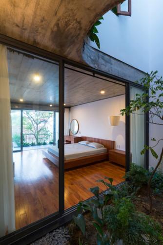 Mỗi sàn nhà lại được thiết kế như một khu vườn khác nhau , đan xen giữa những khoảng vườn nhỏ là các không gian chức năng.