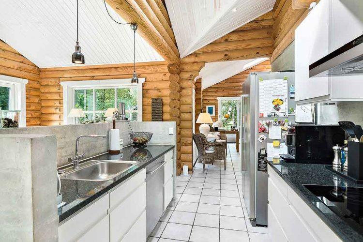 Không gian nấu nướng rộng thoáng với đầy đủ tiện nghi.