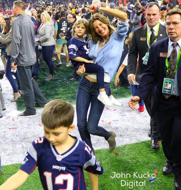 Những trận đấu của Tom luôn có sự hiện diện của gia đình nhỏ dưới khán đài.