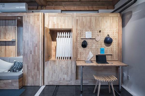 Thiết kế thông minh với ray trượt đã mang đến cho ngôi nhà một không gian sống thoáng sáng, đầy đủ tiện nghi thoải mái cho cả một đại gia đình.