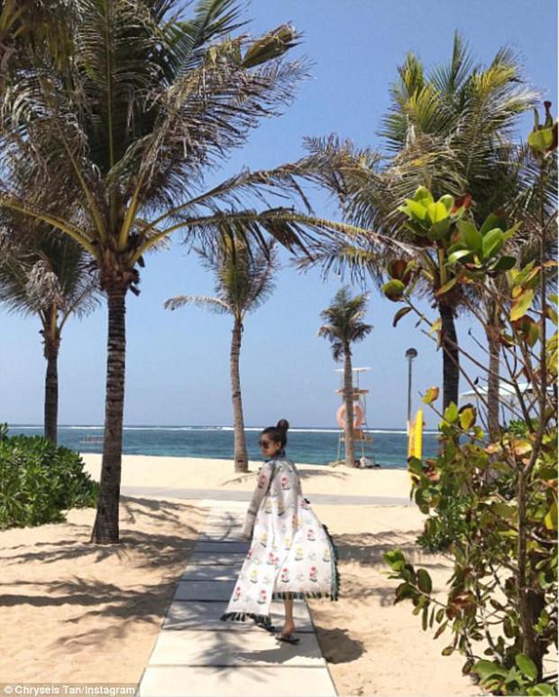 Dường như biển Hy Lạp và Thái Lan chưa thỏa lòng mong ước, cô quyết định đến với thiên đường Bali.