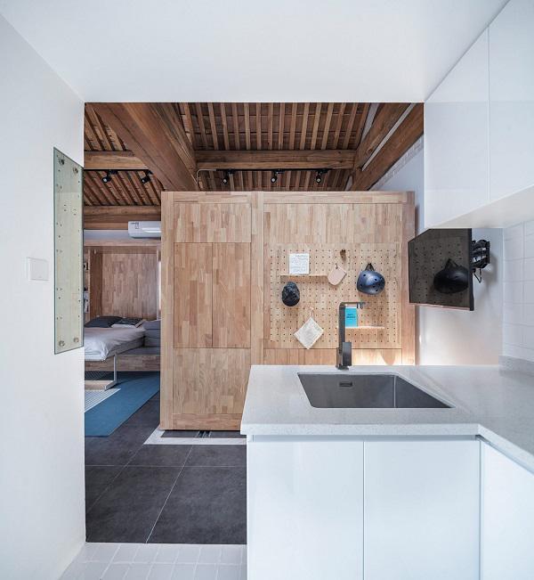 Chẳng ai có thể ngờ ngôi nhà nhỏ xinh chỉ 30m2 này lại có thể trở thành không gian sống thoải mái của 4 người.
