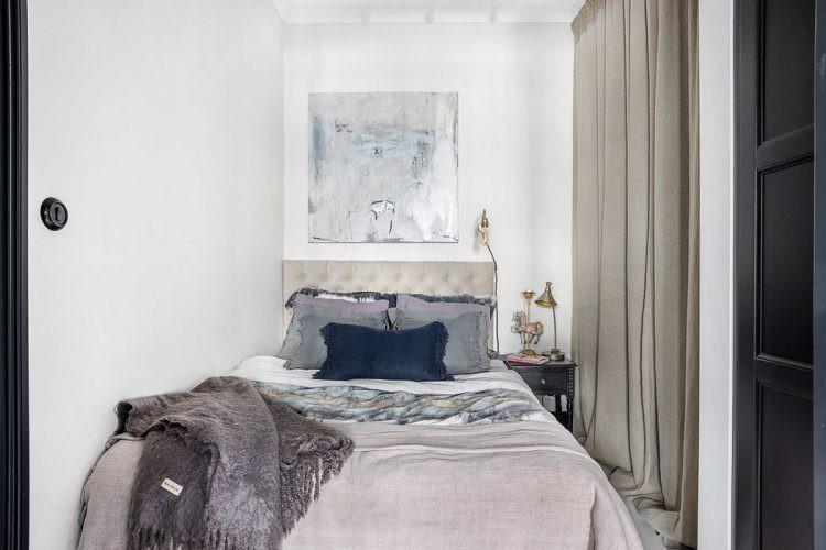 Không gian nghỉ ngơi được dành riêng một phòng tách biệt. Nơi đây tuy không lớn nhưng đó đảm bảo sự kín đáo, riêng tư cần thiết cho chủ nhà.