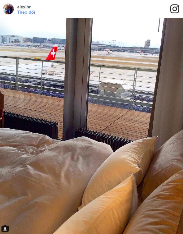 Giấc ngủ trước khi lên máy bay cũng sang chảnh.