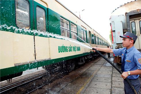 Sau 4 xin, 4 luôn , đường sắt đang nỗ lực giành lại thị phần vận tải hành khách chặng ngắn 300-500 km vốn là ưu thế của ngành.