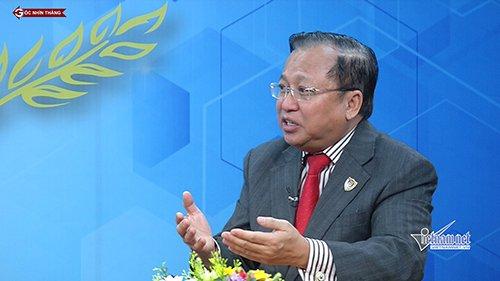GS Hà Tôn Vinh trao đổi tại mục Góc nhìn thẳng về vấn đề kinh doanh casino