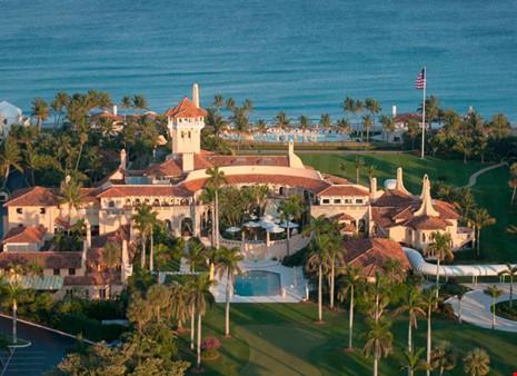 Khu biệt thự tuyệt đẹp hướng ra biển.