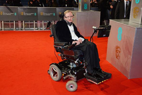 Nhà vật lý học thiên tài Stephen Hawking vẫn lạc quan tin rằng, chỉ cần con người chung tay và có thời gian chuẩn bị kỹ lưỡng thì vẫn có thể vượt qua thảm họa này. Ảnh: Getty