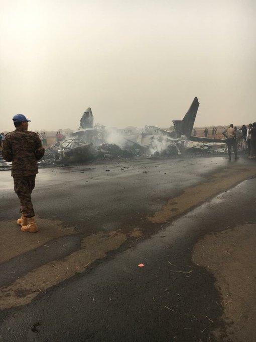 Khả năng cả 44 người có mặt trên chuyến bay đều thiệt mạng.