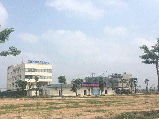 Thanh tra Sở Xây dựng chủ trì tiến hành kiểm tra công trình xây dựng tại dự án khu đô thị Thanh Hà Cienco 5.