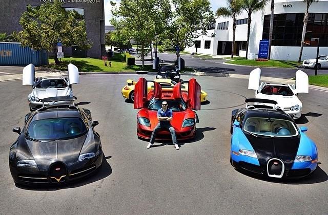Một vài chiếc xe trong bộ sưu tập xe của Khoshbin.