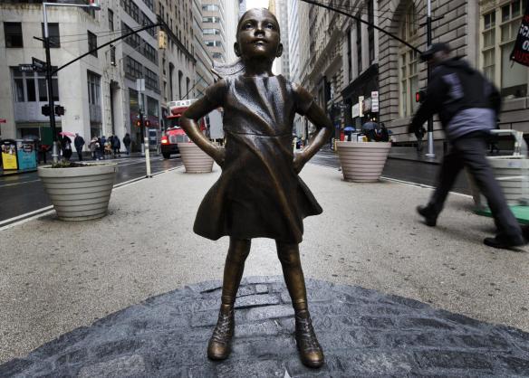 Bức tượng Cô Bé dũng cảm.