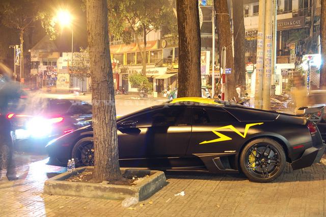 Chiếc siêu xe Lamborghini Murcielago LP670-4 SV từng giúp Minh Nhựa 'sánh ngang với Cường đô-la. Giá trị của chiếc xế hộp này sẽ khiến cho nhiều người há hốc mồm: khoảng 1,3 triệu USD (hơn 28 tỷ đồng) khi về nước.