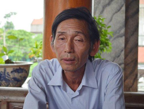 """Ông Trần Văn Ca, người """"thổi hồn"""" cho gần 300 nhà gỗ lim bạctỷ."""