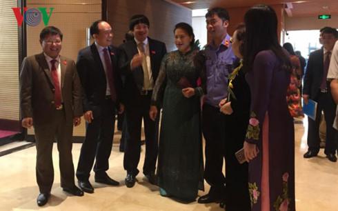 Chủ tịch Quốc hội Nguyễn Thị Kim Ngân với các đại biểu HĐND thành phố Hà Nội
