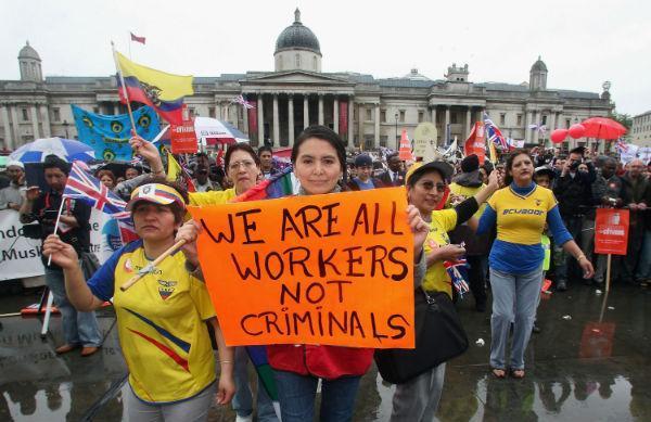 Chúng tôi đều là người lao động, không phải tội phạm - Người nhập cư biểu tình ở Anh vì bị Chính phủ nước này kỳ thị