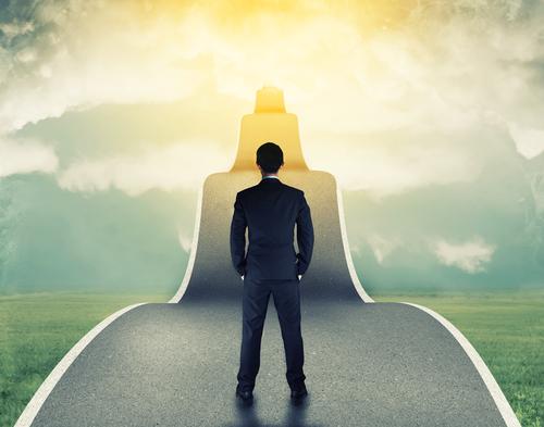 Thành công sẽ tới nếu bạn biết nỗ lực đúng hướng, luôn hướng thiện và biết quan tâm đến người khác.