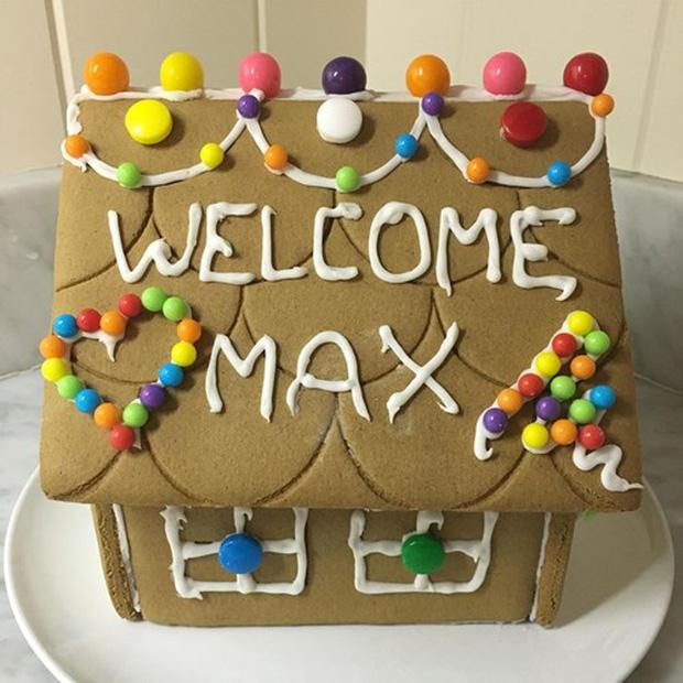 Bánh gừng Mark làm tặng con gái Max (Ảnh: Facebook nhân vật)