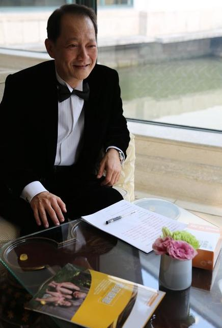 Tiến sĩ Hoa liên tục chia sẻ câu chuyện của mình dành cho những người cùng cảnh ngộ