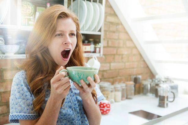 Uống cà phê khi đói có thể có ảnh hưởng tiêu cực lên hệ tiêu hóa, tăng cường sản sinh axit, đôi khi là quá mức.
