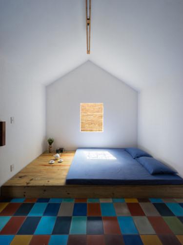 Phòng ngủ lớn dành riêng cho bố mẹ.