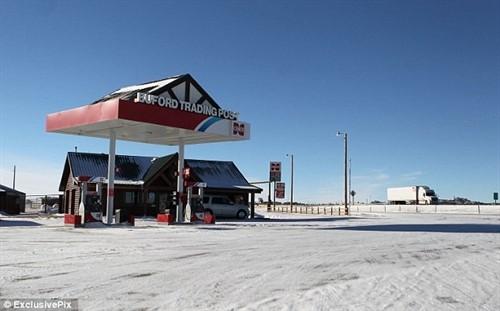 Cây xăng và cửa hàng tiện lợi của thị trấn Buford. Ảnh: Casper Star-Tribute