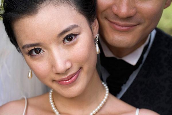 Nhiều du học sinh Việt muốnnhập quốc tịch và ở lại các nước phát triển đã nghĩ đến chuyện kết hôn. Ảnh minh họa.