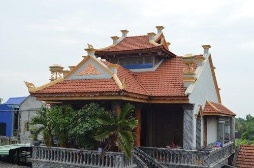 Ngôi nhà của ông Ca được dựng theo kiến trúc cung đình Huế.