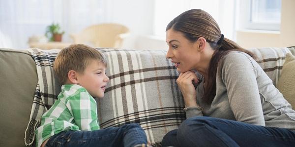 Hãy dạy con bạn cách nhìn nhận, đánh giá con người (Ảnh minh họa).