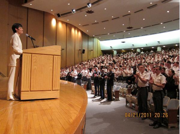 Nữ kỹ sư gốc Việt thường được mời diễn thuyết ở nhiều trường đại học uy tín và các công ty lớn tại Mỹ.