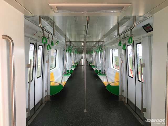 Khung cảnh giống y hệt Train to Busan, nhưng đây sẽ là Train to Cát Linh/Hà Đông.