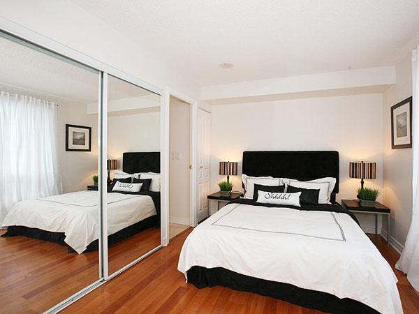 Sử dụng giương trong phòng ngủ nhỏ giúp nhân đôi diện tích căn phòng.