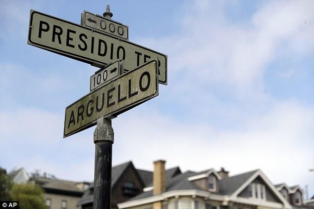 Con phố này đã được đưa ra bán đấu giá vì ban quản lý khu bất động sản không nộp khoản tiền thuế 994 USD trong suốt 30 năm qua.