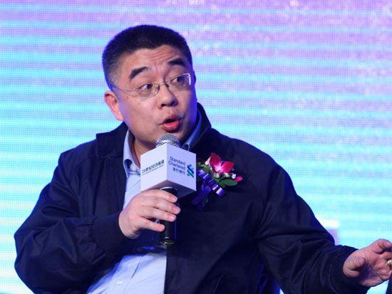 Giáo sư Tiền thẳng thắn chia sẻ về những mâu thuẫn trong quan niệm dạy con của gia đình mình để mọi người hình dung rõ về mâu thuẫn tồn tại trong quan niệm giáo dục hiện nay tại Trung Quốc.