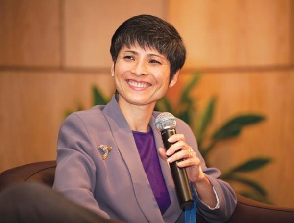 Làm việc ở Texas Instruments ban ngày, còn buổi tối bà Loan tranh thủ theo học bằng MBA ở trường University of Houston.